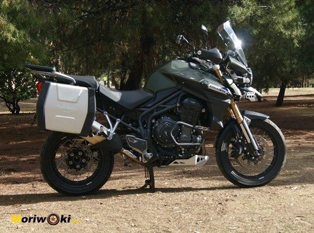 Triumph Explorer XC perfil