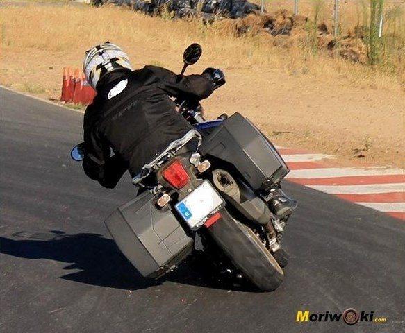 Triumph Explorer XC tumbada