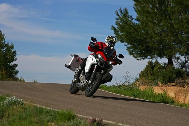 Ducati Multistrada Enduro bajando