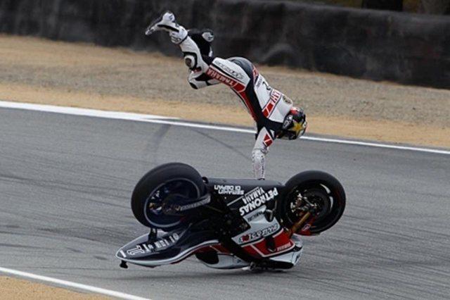 susto y caida en moto lanzado