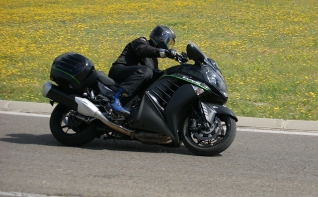 Las GTs, como esta Kawasaki GTR 1400, resultan las motos más cómodas