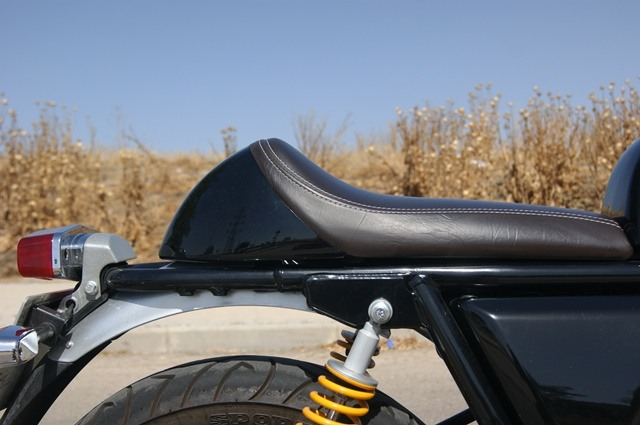 Royal Enfield continental GT asiento