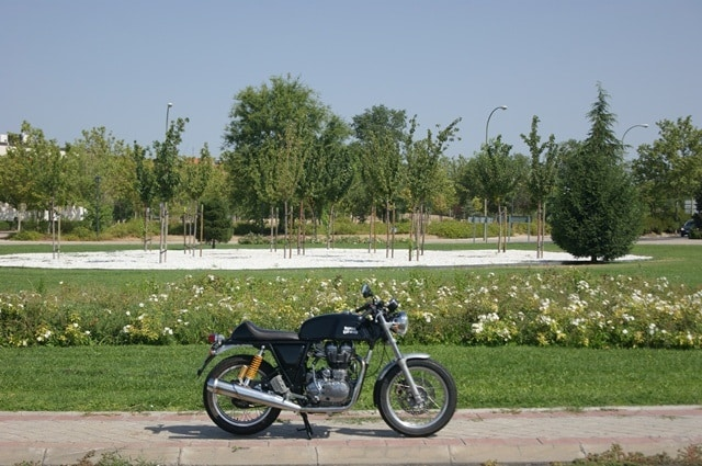 Royal Enfield continental GT perspectiva