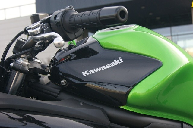 Kawasaki ER-6 F deposito