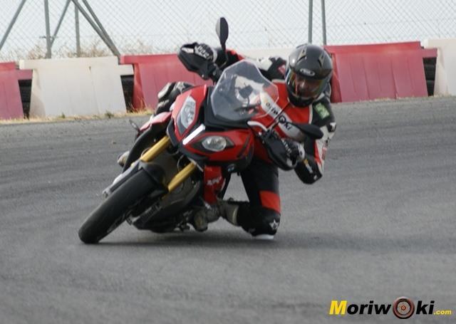 BMW S1000XR en el circuito