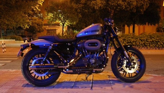 Harley Davidson sportster roadster noche
