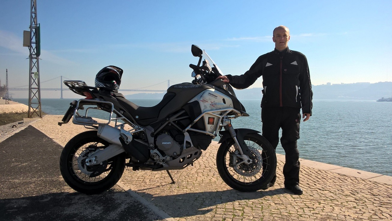 Ducati enduro trotamundos Hugo
