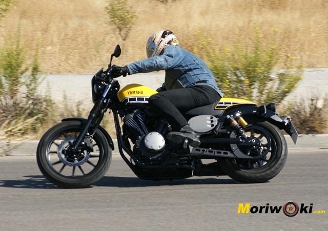 Yamaha XV 950 60 Aniversario izquierda