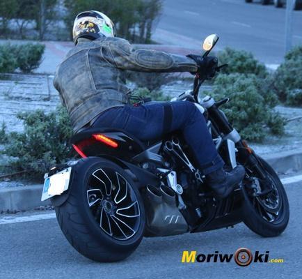 Ducati XDiavel 2016 detrás