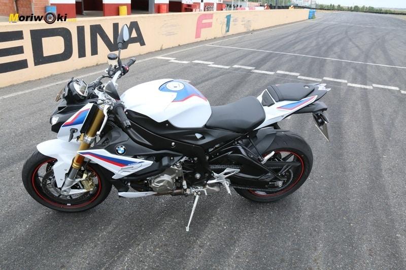 BMW S1000R posición