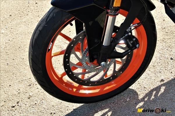 KTM 390 Duke Prueba a fondo disco delantero