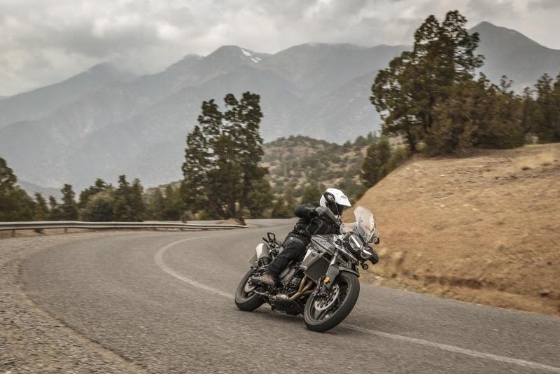 Triumph Tiger 800 2018 asfalto
