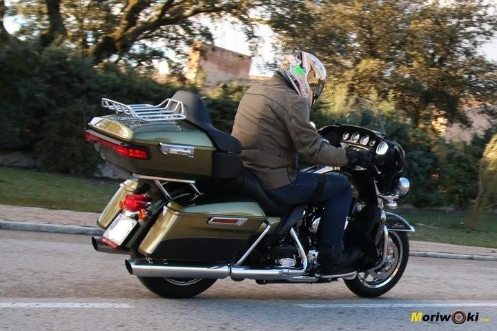 Harley Ultra limited  passando sssss