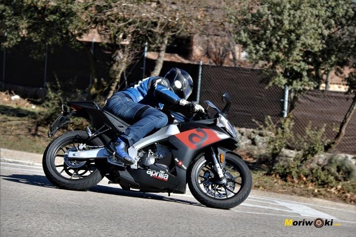 Prueba Aprilia RS 125 posición