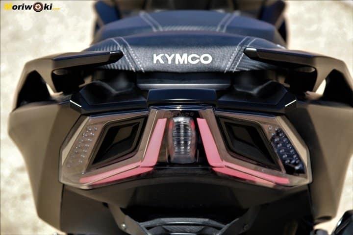Kymco AK 550 Prueba a fondo leds traseros