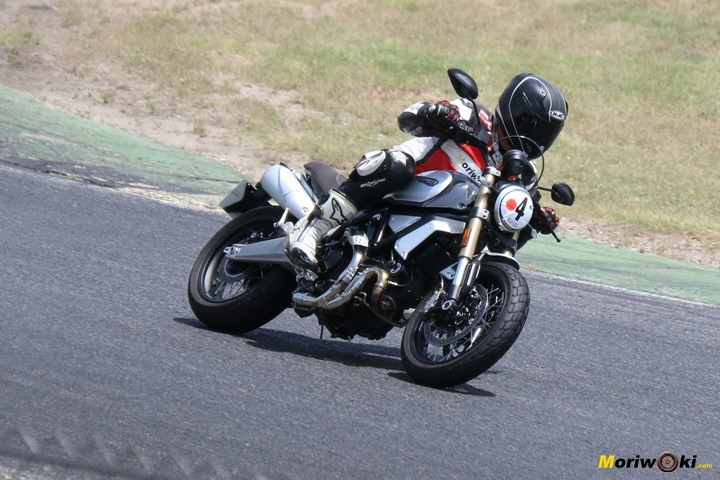 Ducati Scrambler 1100 Special Prueba curvas