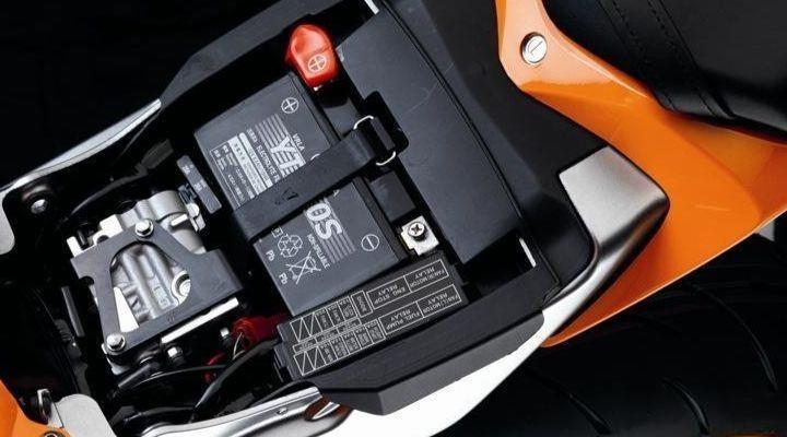 Instalar batería nueva de moto
