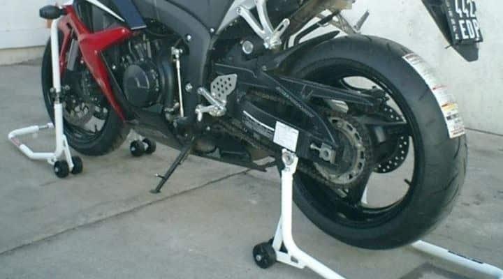 caballetes para limpiar llantas de moto