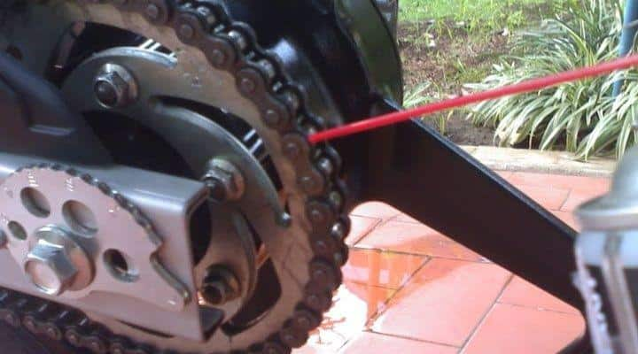lubricar cadenas de motos