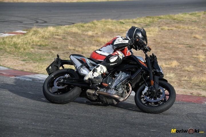 Cómo es una moto naked, ktm 790 duke 5