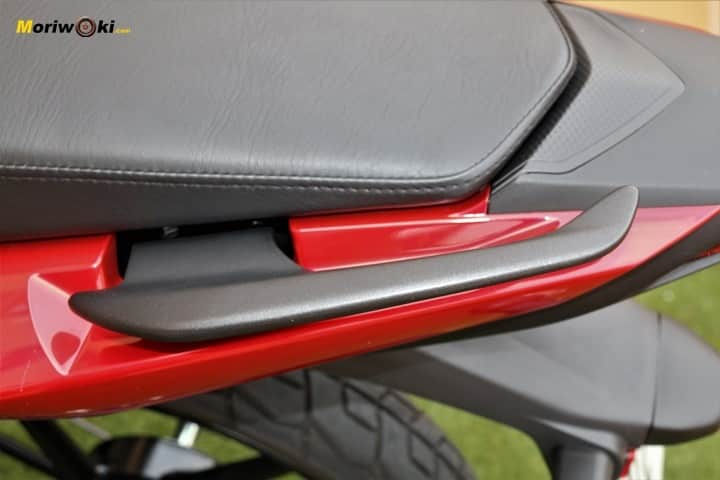 Prueba Yamaha YS125 asa pasajero