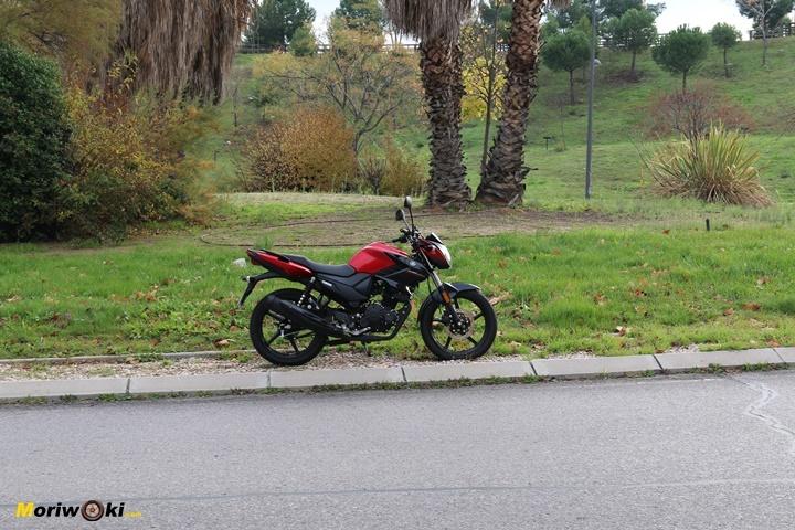 Prueba Yamaha YS125 en la circunvalación