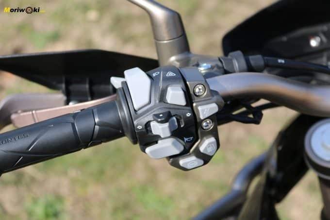 Piña izquierda de la Zontes T310