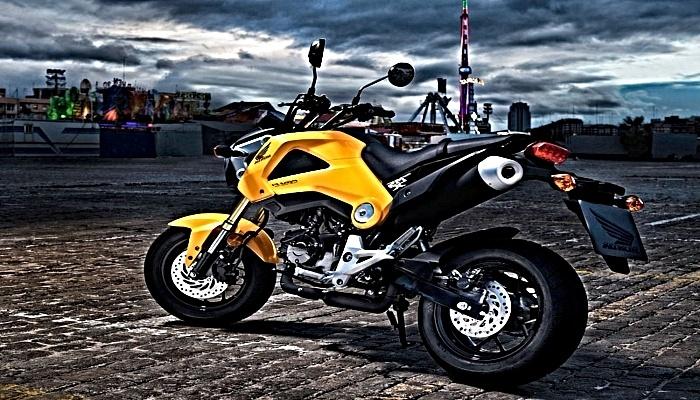 imagen atractiva de moto en venta