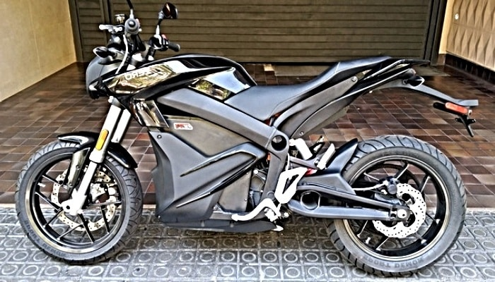 moto negra en venta