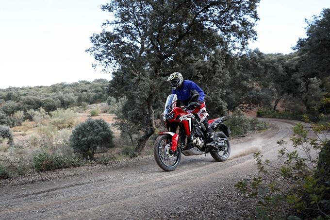 Conducción moto trail básica 43645_Honda AfricaTwin YM18 7622