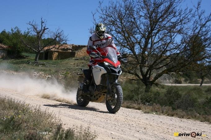 Conducción moto trail básica DUCC6561