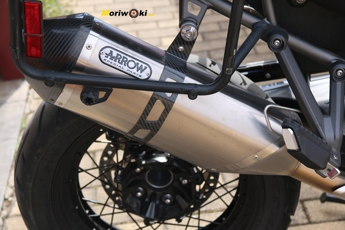 Escape Arrow de la Triumph Tiger 1200 XCA