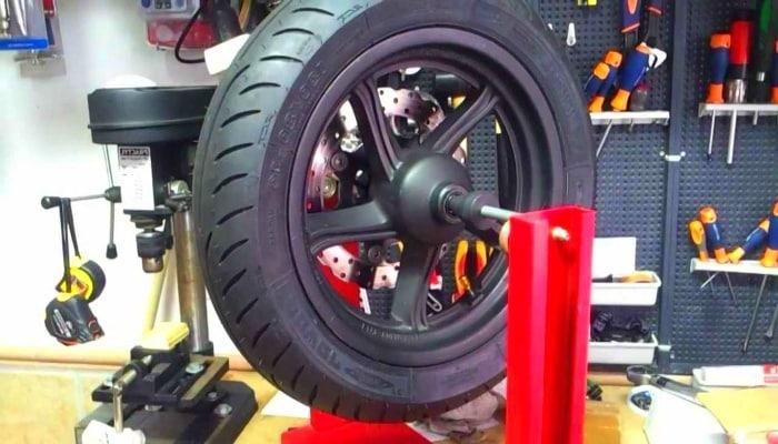 neumático en taller