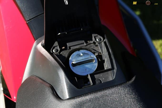 Tapón del combustible en el Honda X-ADV