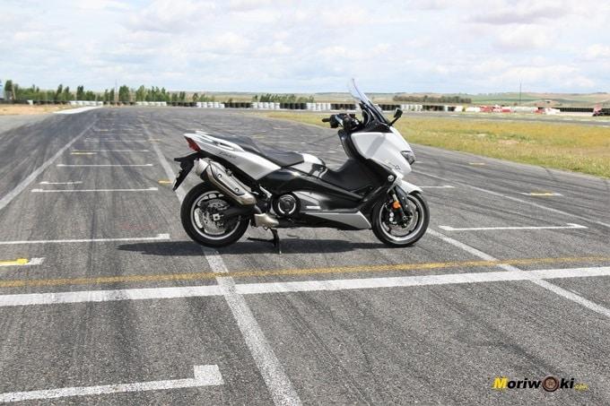 La Yamaha Tmax 530 DX en la parrilla de FK-1.