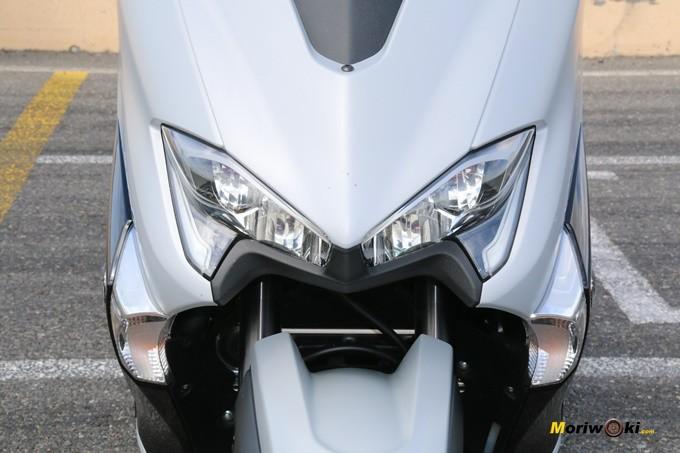 Frontal de la Yamaha Tmax 530 DX.