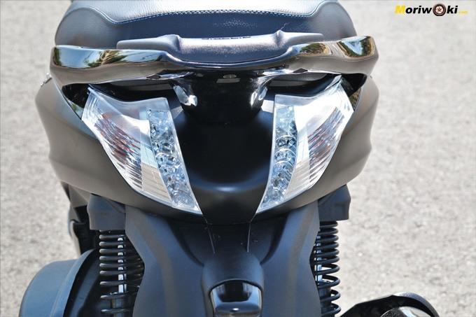 Las luces traseras del Piaggio Beverly 350 Police.