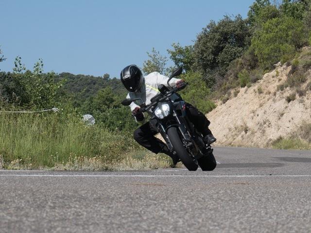 Nuestro test a fondo de temperaturas de neumáticos de motos.