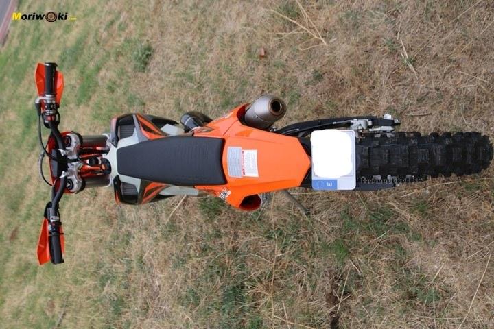 Objetivo Enduro +100 La Moto KTM y su estilizada silueta.