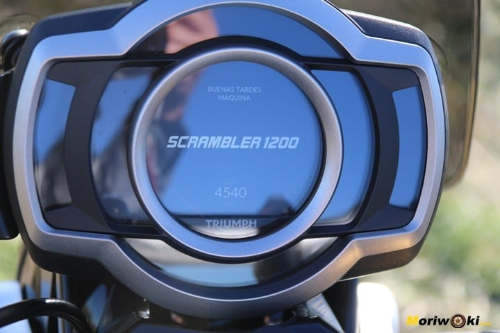 Reloj de la Triumph Scrambler 1200 XE.