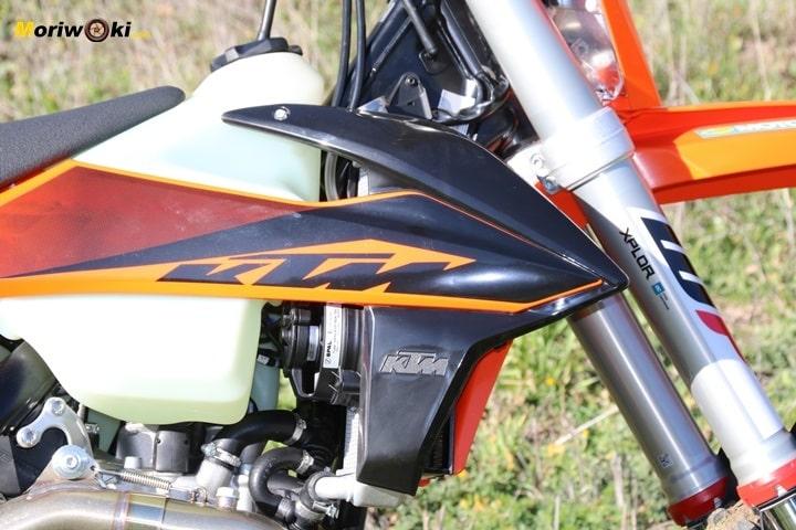 La KTM EXC 450 F 2020 y su horquilla WP Xplor.