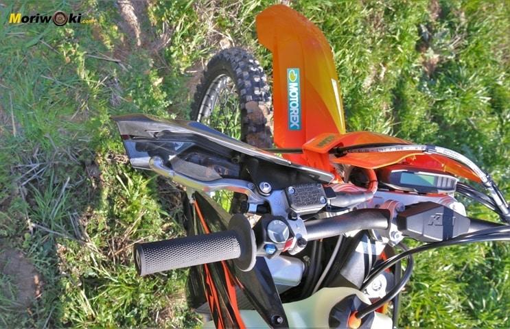 Manillar de la KTM EXC 450 F 2020.