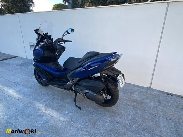 Perspectiva trasera del Kymco Xciting 400 S