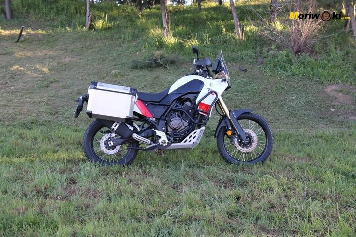 Lateral derecho de la Yamaha Ténéré 700 en versión Explorer.