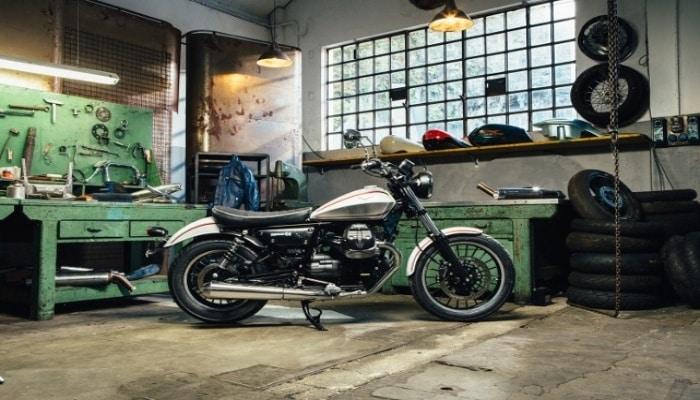 moto en un taller
