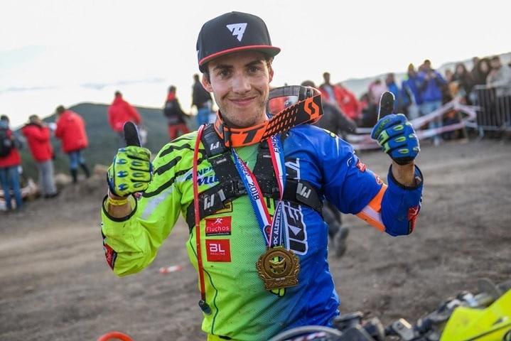 Mario Román vencedor.