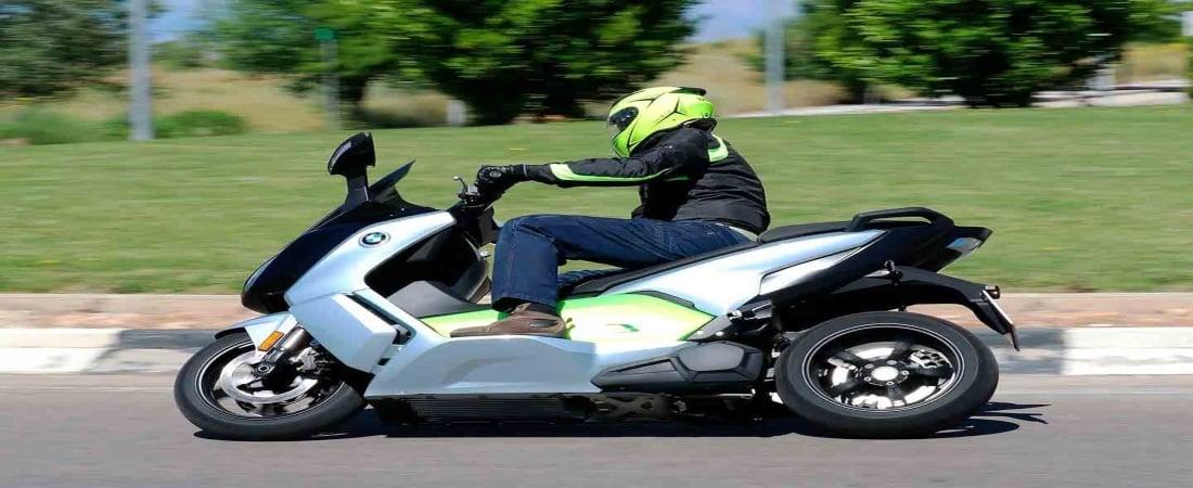 El distintivo ambiental en la moto