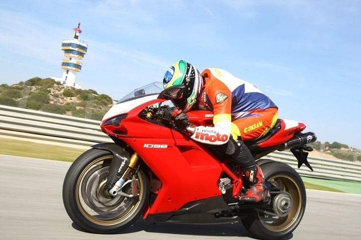 Ismael Bonilla Tu no te escapas en prueba de una Ducati