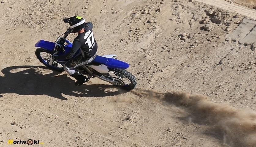Prueba Yamaha YZF250 aceleracion.