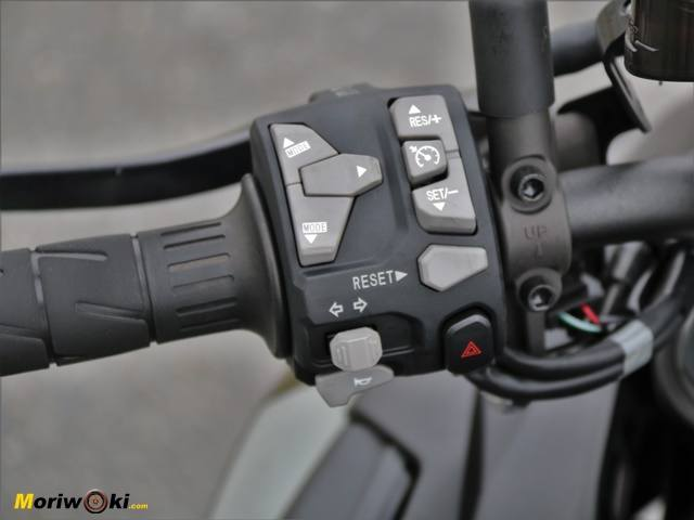 Kawasaki Z-H2. Piña izquierda